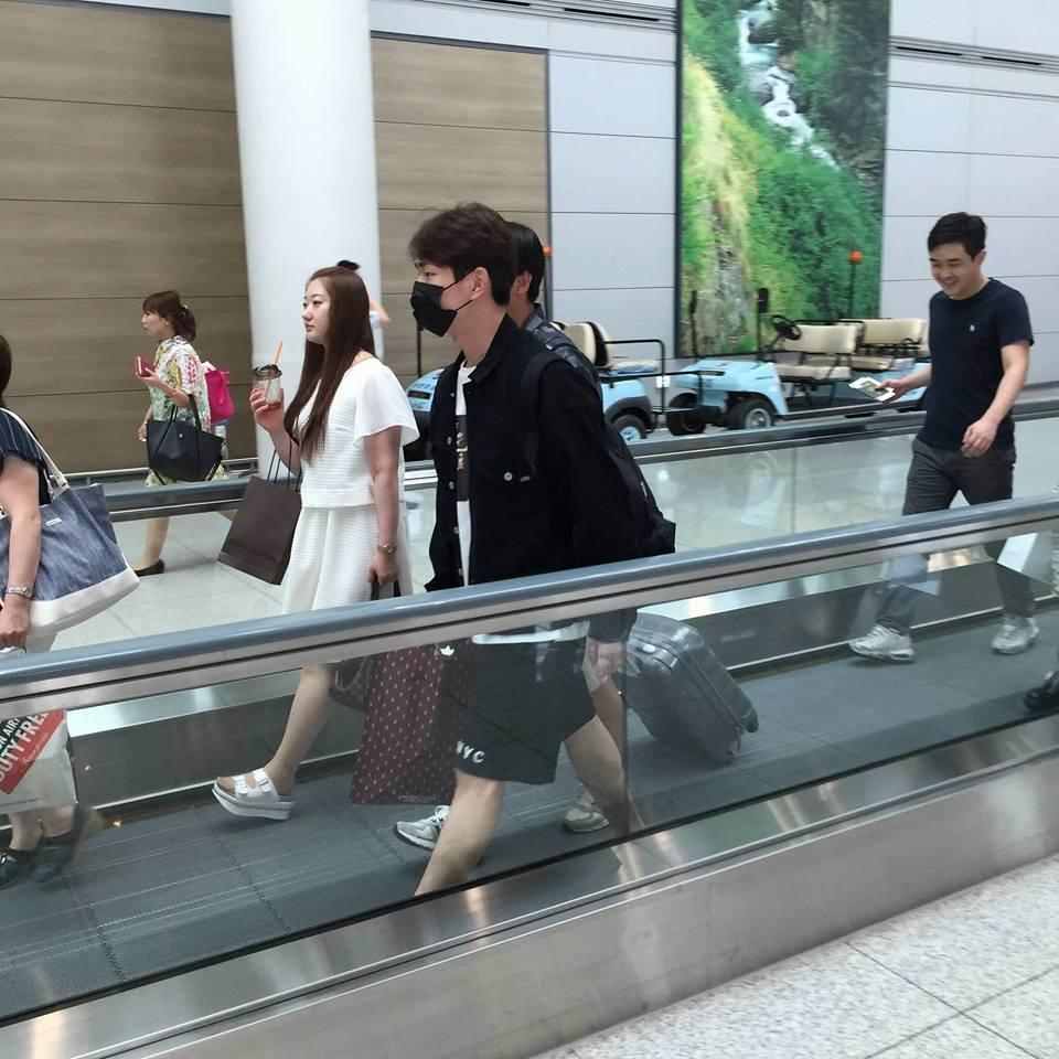 [IMG/160715] Onew @ Aeropuerto de Incheon rumbo a Osaka, Japón. BoYw0YJ7