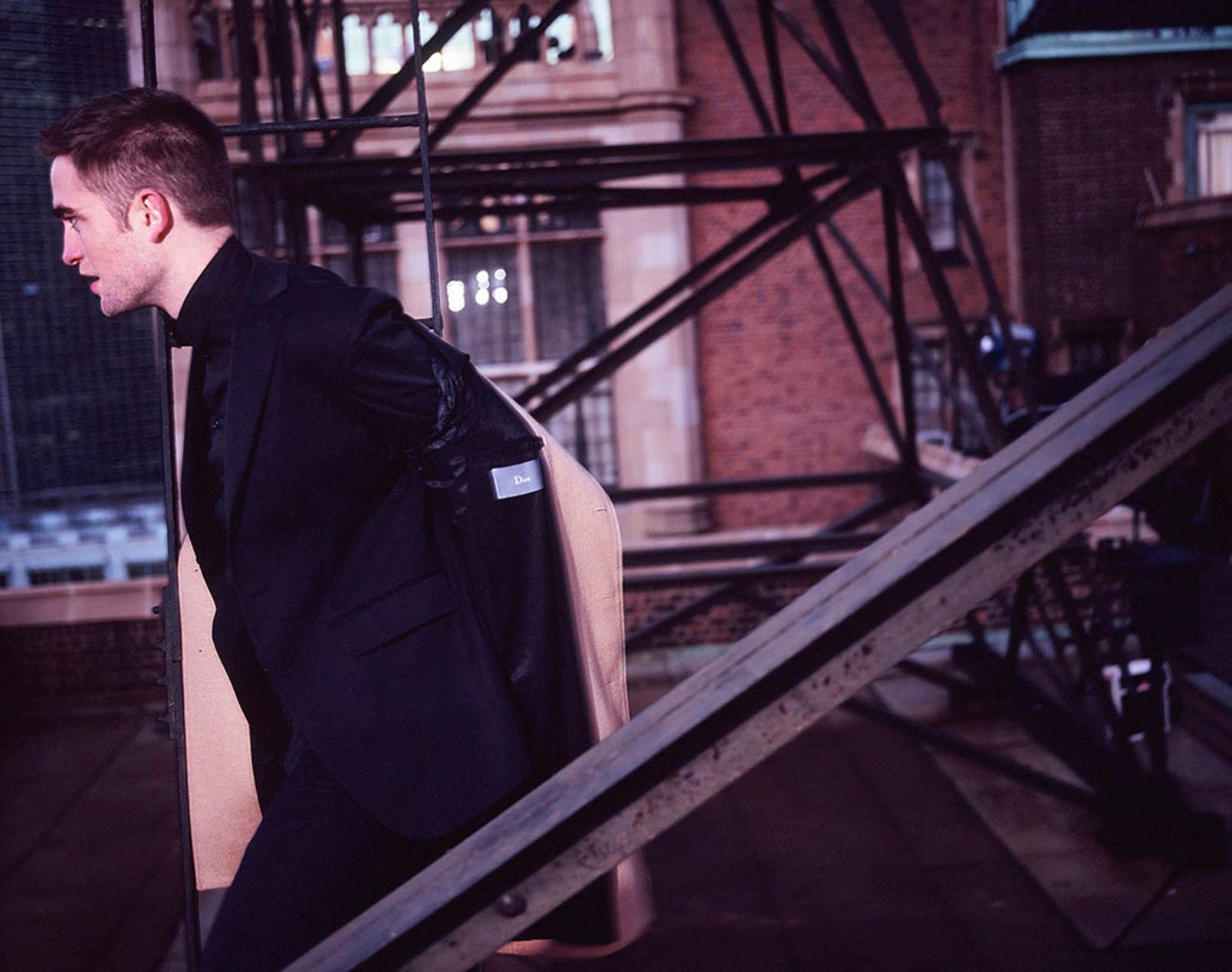 26 Abril - Outtake de Rob para Dior Homme!!!! GmPHxYgM