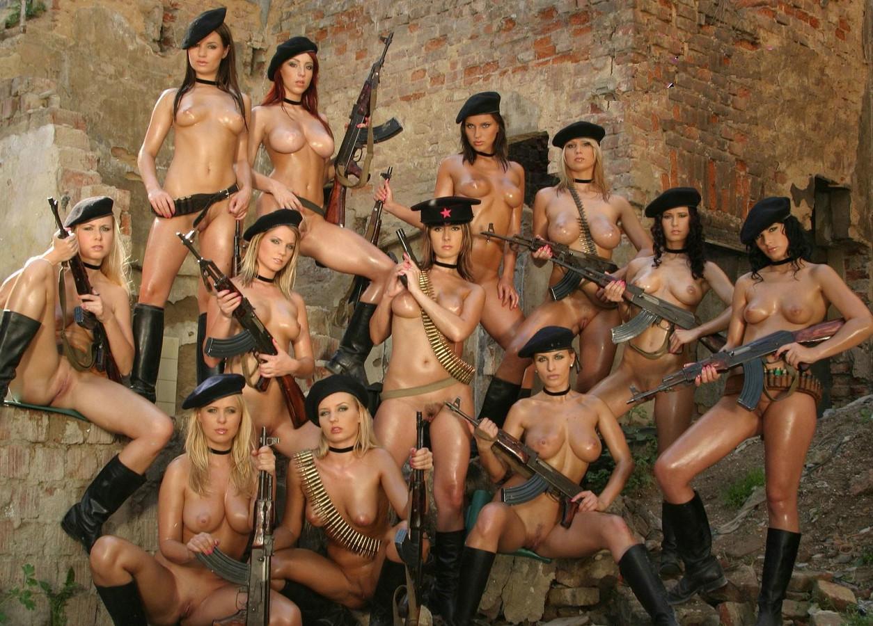 порно онлайн военных женщин