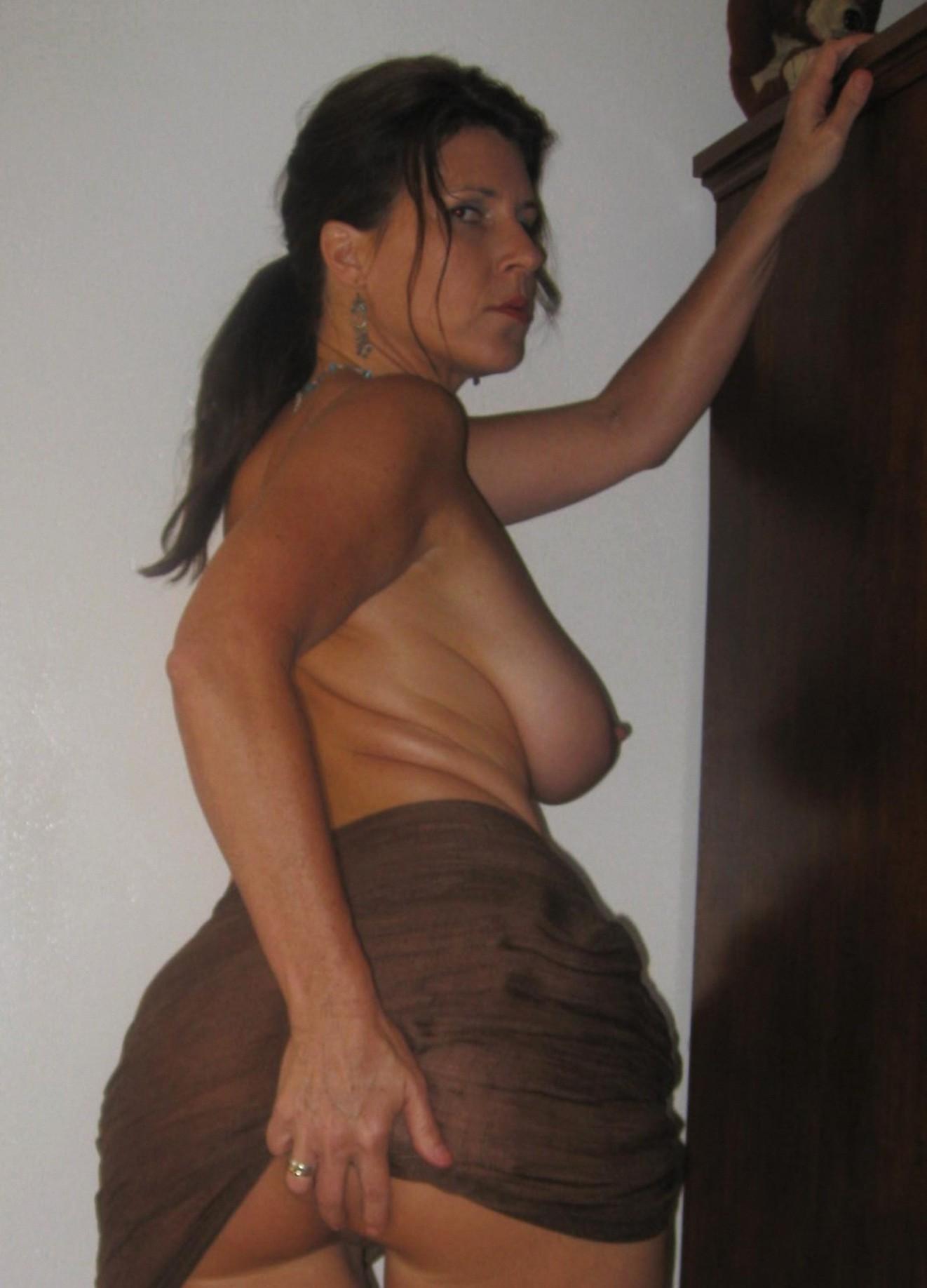 Naked asian filipina model