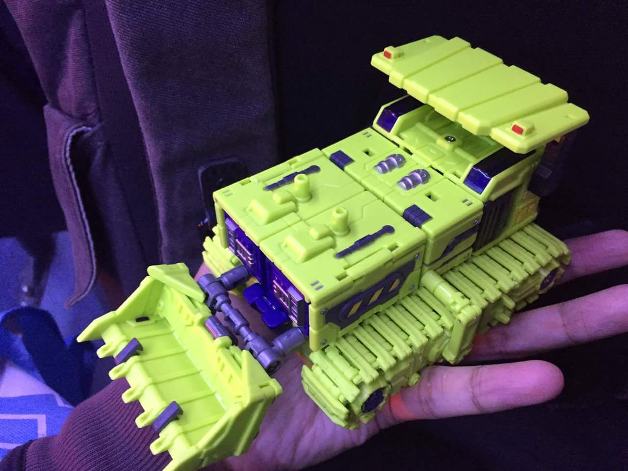 [Toyworld] Produit Tiers - Jouet TW-C Constructor aka Devastator/Dévastateur (Version vert G1 et jaune G2) - Page 3 BFPdqnm6