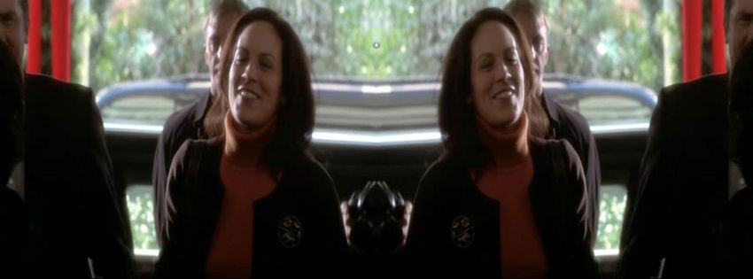 1999 À la maison blanche (1999) (TV Series) J3SIJy98