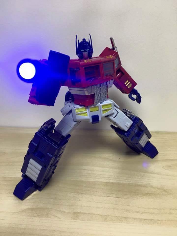 [ToyWorld][Zeta Toys] Produit Tiers - TW-M01 Primorion/Zeta-EX6O OriPrime et Zeta -EX6E EvaPrime - aka Optimus (G1 et Evangelion) YVBxTKMe