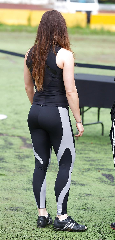 10 nalgona de instructora del gym - 2 8