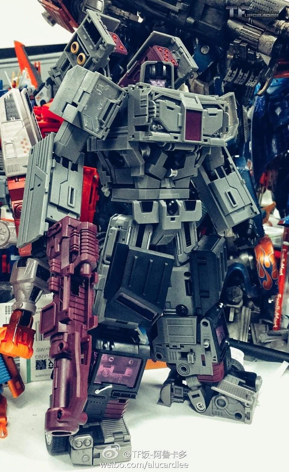 [Transform Mission] Produit Tiers - Jouet M-01 AutoSamurai - aka Menasor/Menaseur des BD IDW - Page 4 DWsrUy1H