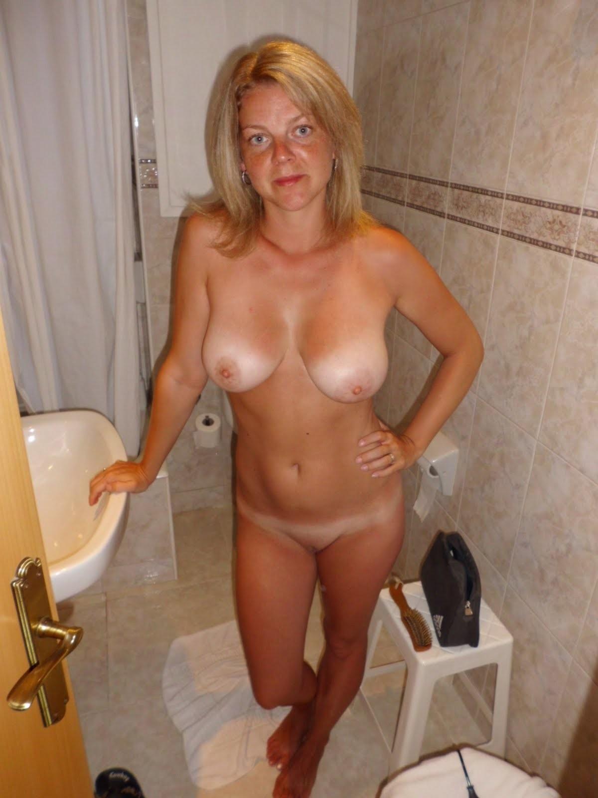 Nude hairy milf anal