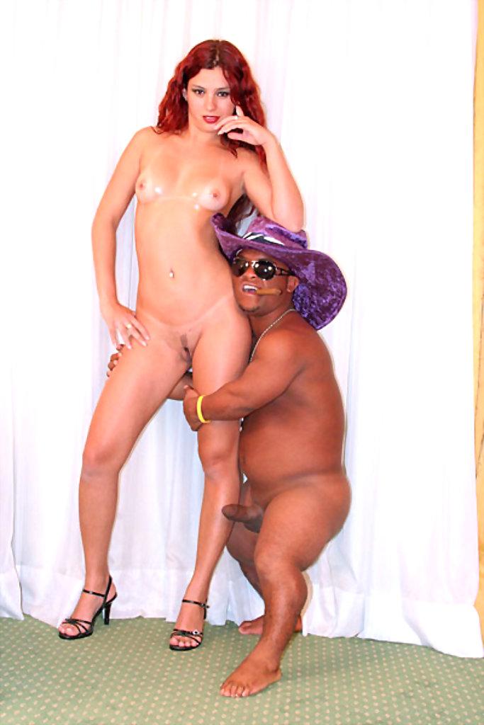 agent-boyfriend-dwarf-dwarfism-ex-jersey-midget-new-railroad-station-hawaiian-girls-nude