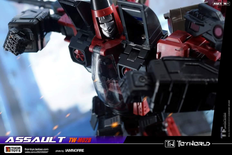 [ToyWorld] Produit Tiers - TW-M02A Combustor (Ramjet/Statoréacto), TW-M02B Assault (Thrust/Fatalo), TW-M02C Requiem (Dirge/Funébro) - Page 3 GdZHzo6n