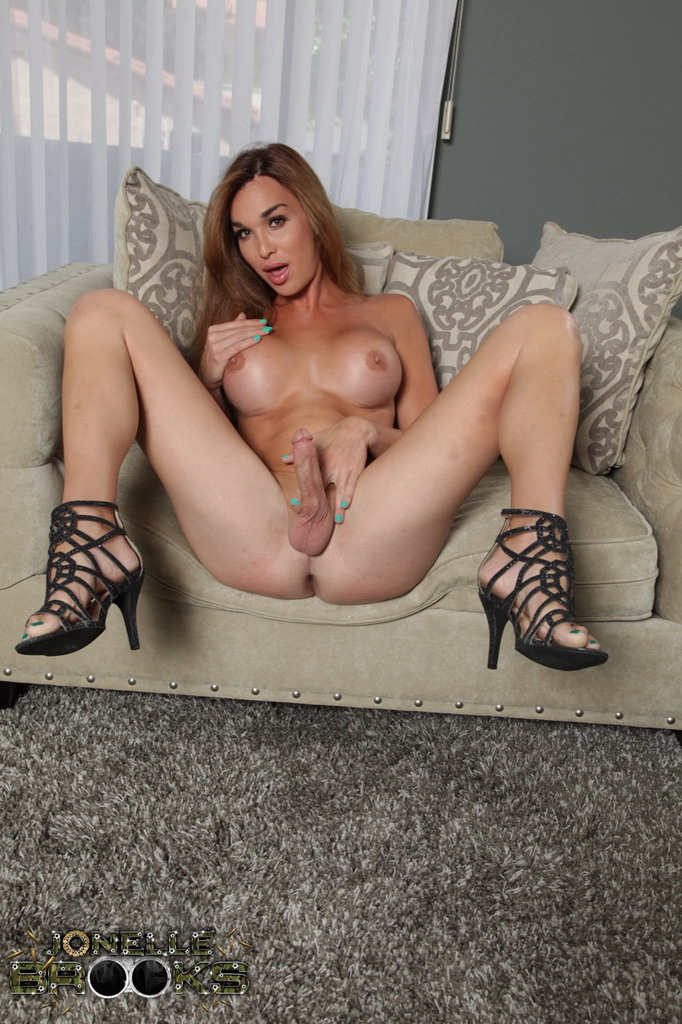 Sexy transexual in atl take a look 9