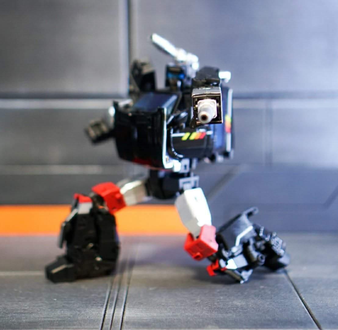 [BadCube] Produit Tiers - Jouet OTS-11 Speedbump - aka Trailbreaker/Glouton - Page 2 5AK6Jqrg