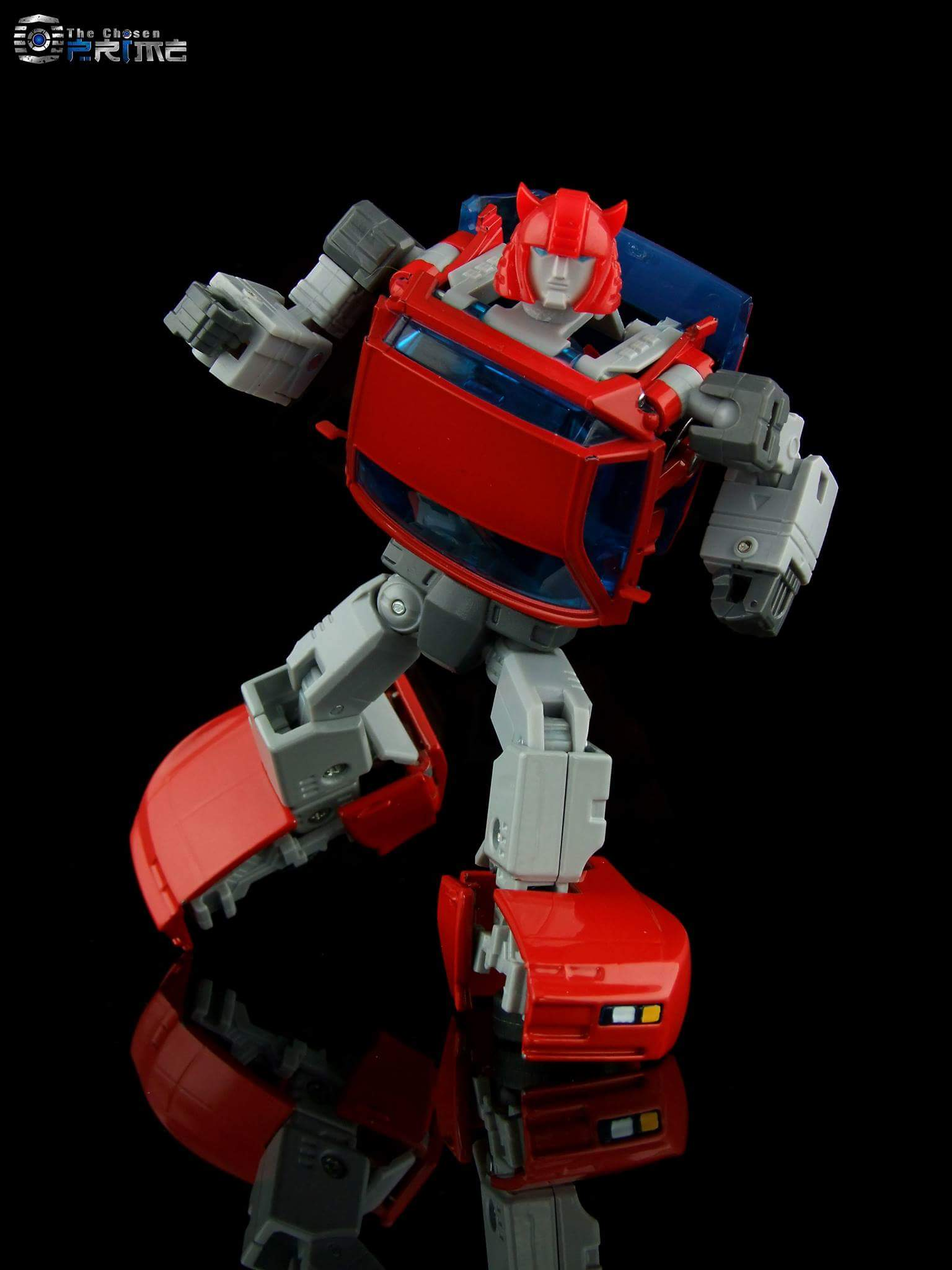 [ACE Collectables] Produit Tiers - Minibots MP - ACE-01 Tumbler (aka Cliffjumper/Matamore), ACE-02 Hiccups (aka Hubcap/Virevolto), ACE-03 Trident (aka Seaspray/Embruns) AfTtwGwi