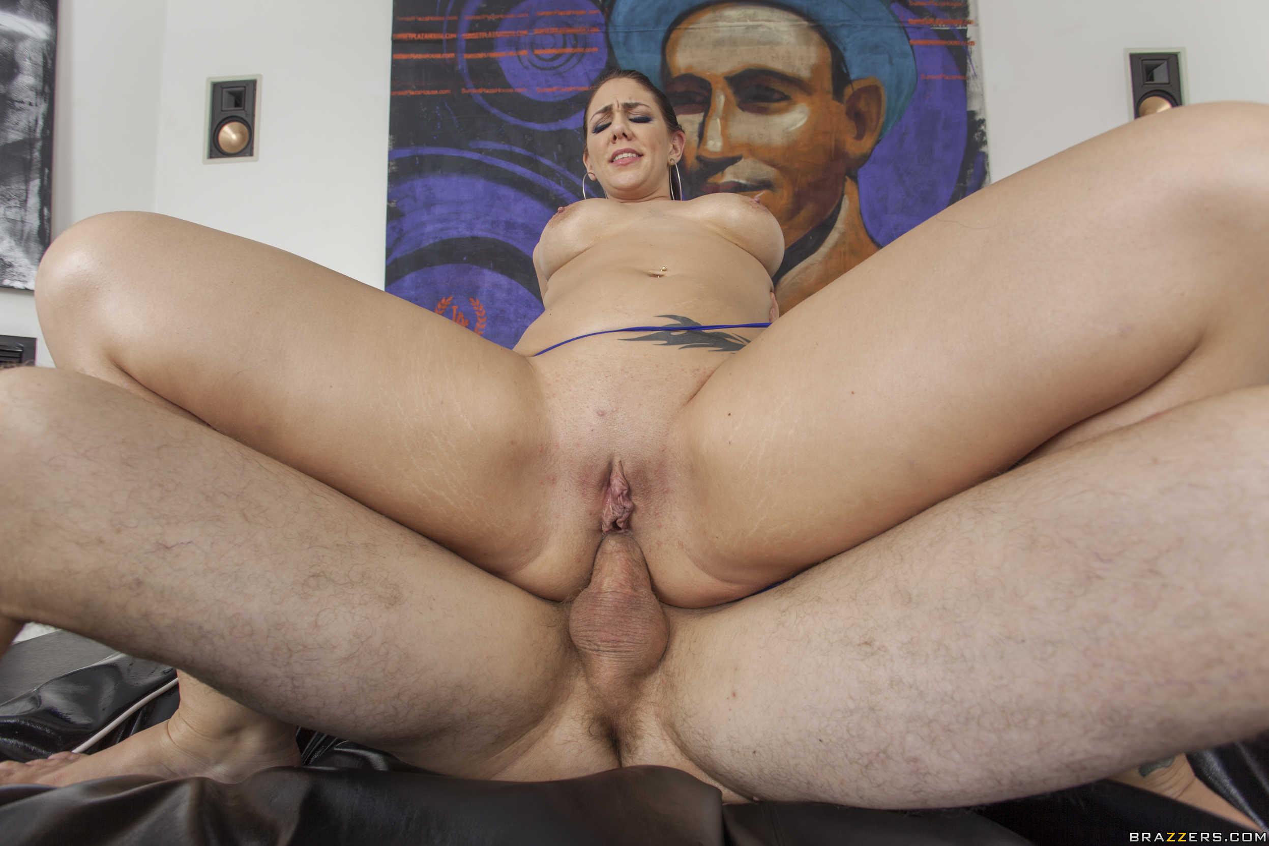 Madison Rose chupa y coge por su goloso culazo