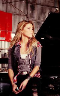 Amber Heard • 200x320 MppQHTVg