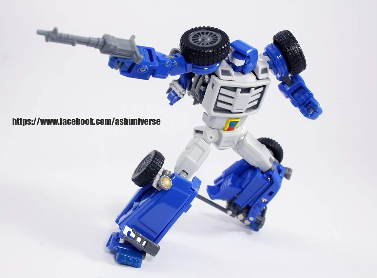 [X-Transbots] Produit Tiers - Minibots MP - Gamme MM - Page 6 VJ38xech