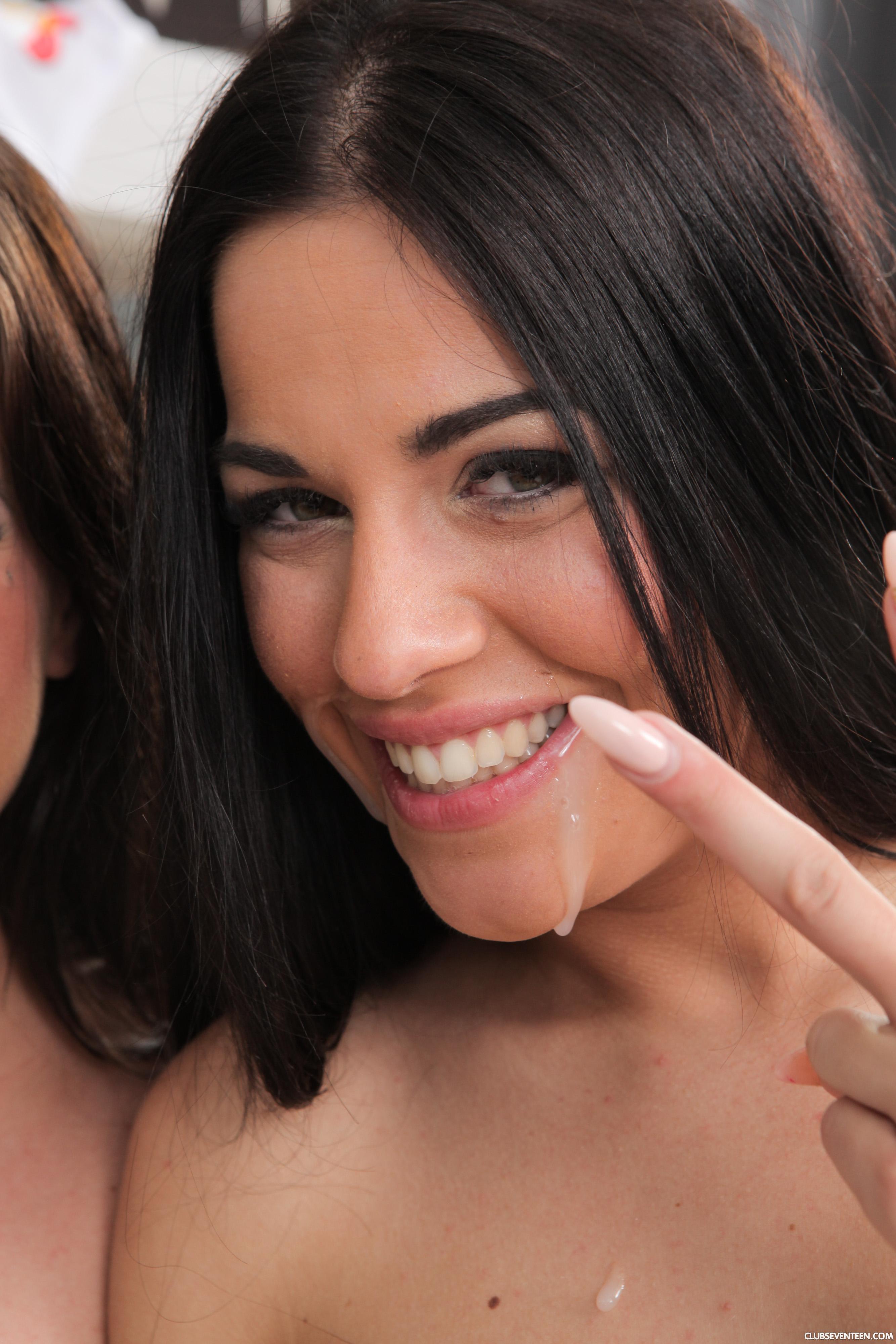 Evelyn y Silvia Dellai - dos hermanas gemelas cogen juntas