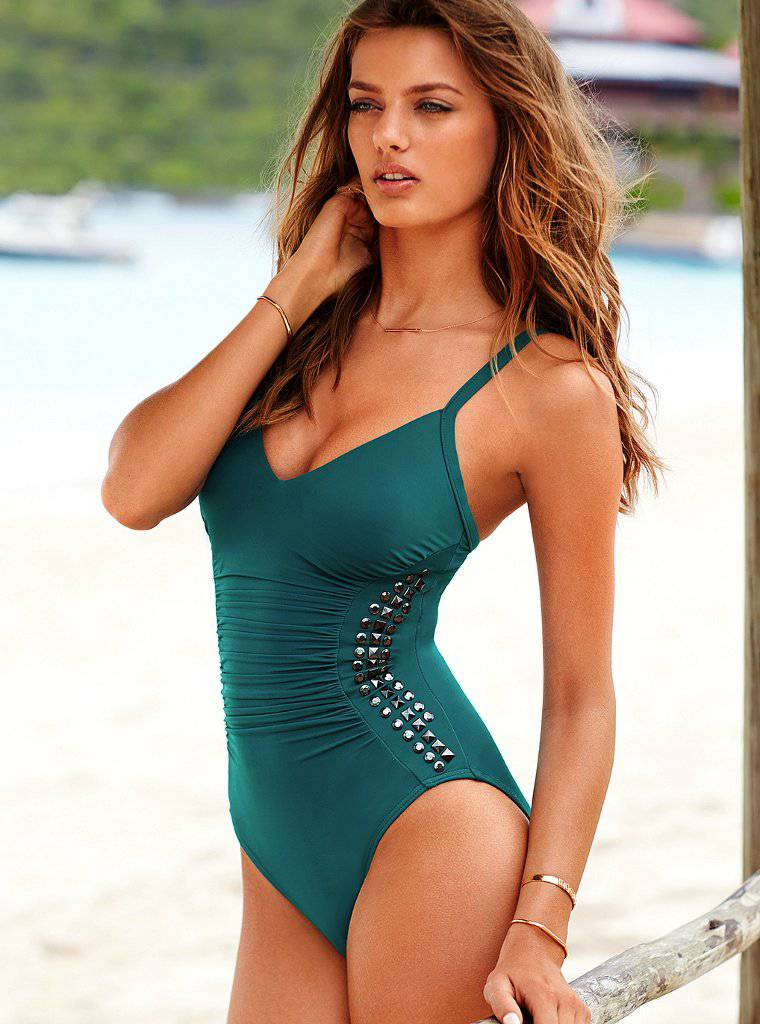 Bregje Heinen - Victoria's Secret Bikini (Sep, 2013) - Page 2 AdrWbgnn