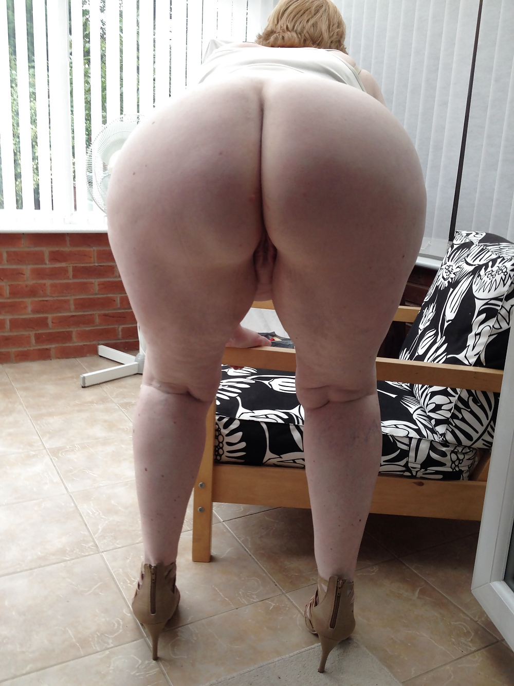 Sexy wide hips and butts topless are