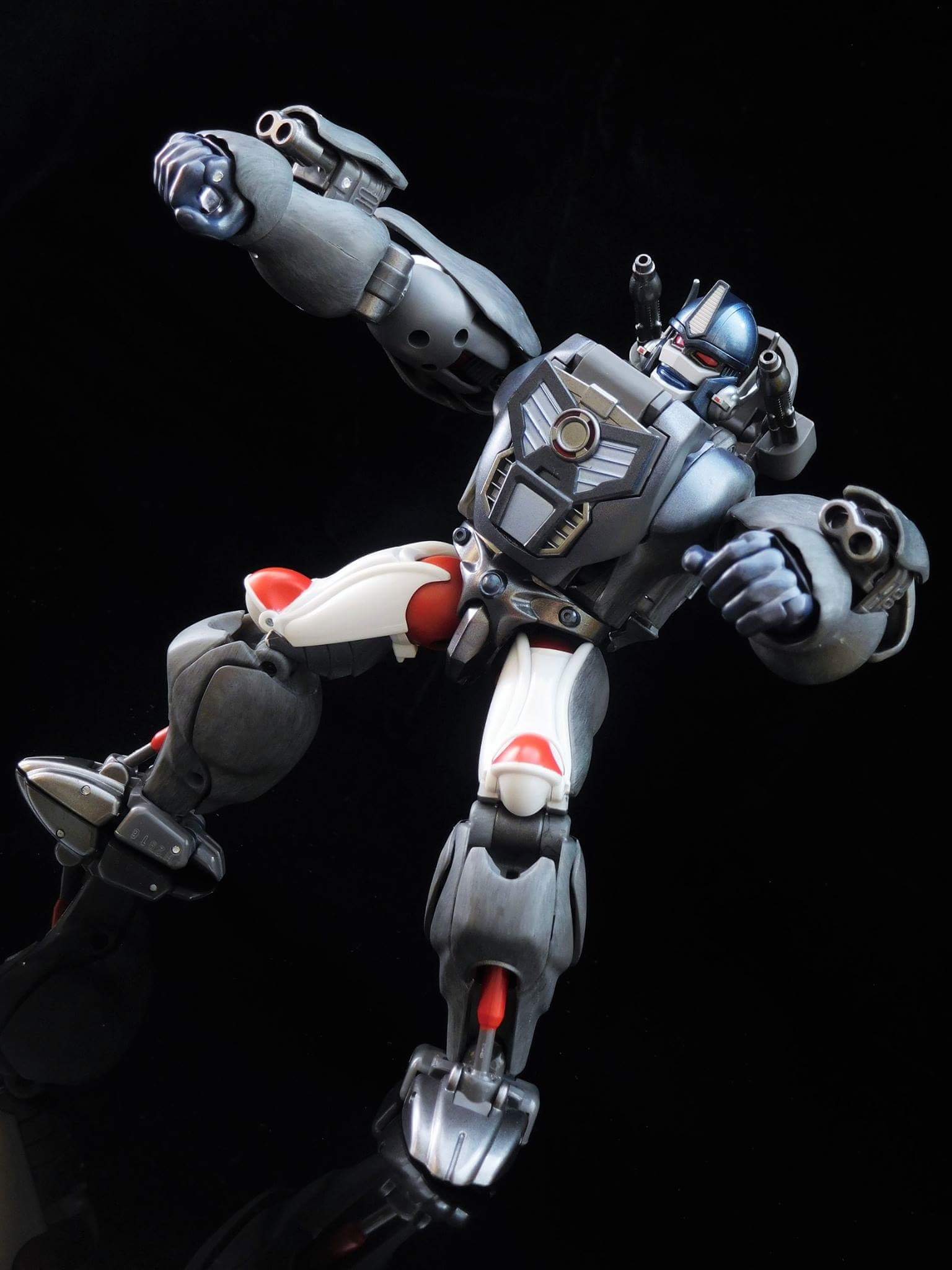 [Masterpiece] MP-32, MP-38 Optimus Primal et MP-38+ Burning Convoy (Beast Wars) - Page 3 GXbvK1wU