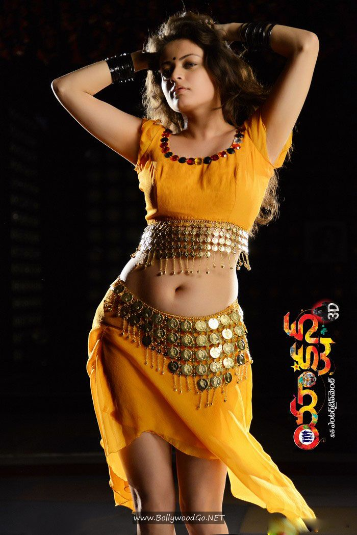 Sneha Ullal Action 3D Movie Stills in Bikini AbmRYYAV