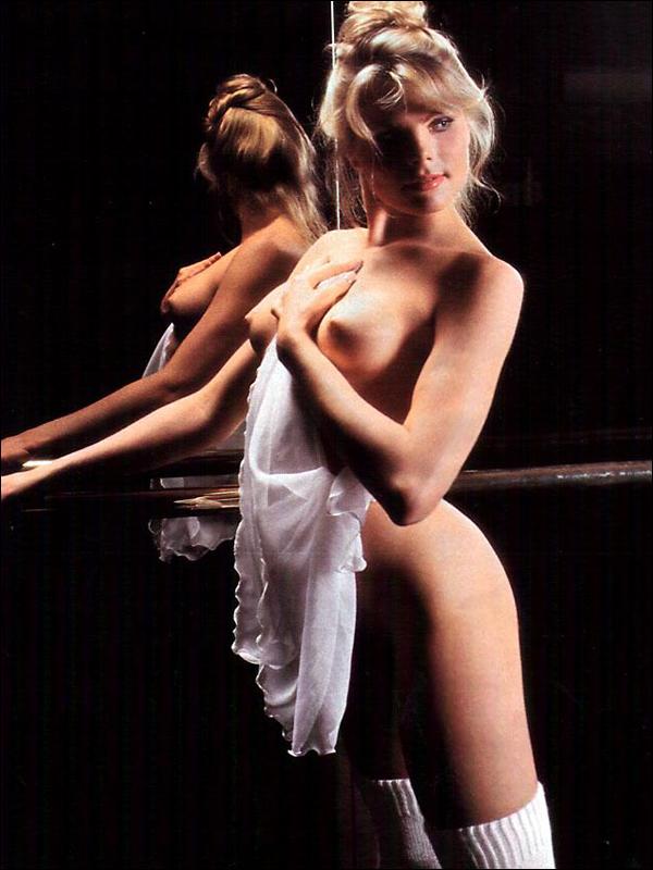 Mariel Hemingway Nude Topless, Butt And Sex