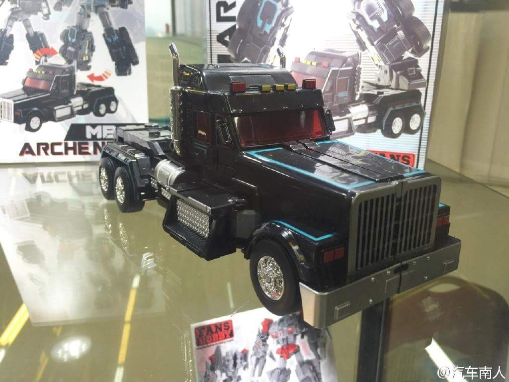 [FansHobby] Produit Tiers - Master Builder MB-01 Archenemy (aka Scourge RID 2000),  MB-04 Gunfighter II (aka Laser Optimus G2) et MB-09 Trailer (remorque) N5OwuU3D