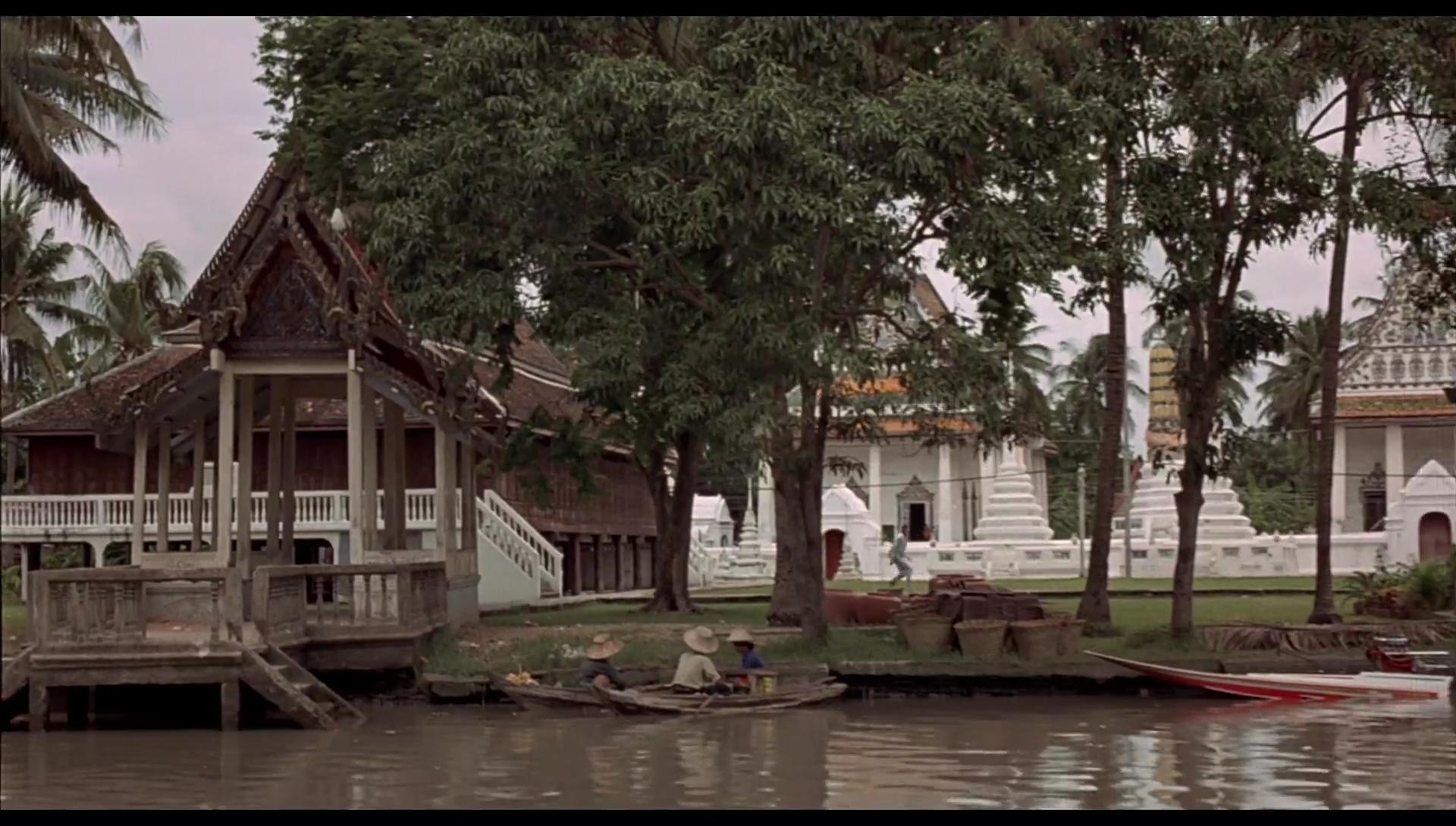 007 El Hombre Del Revolver De Oro 1080p Lat-Cast-Ing 5.1 (1974)