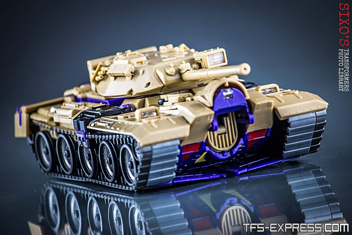 [KFC Toys] Produit Tiers - Jouet Phase 7-A Ditka - aka Blitzwing/Le Blitz - Page 4 T9RWHy4y