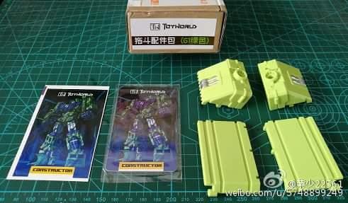 [Toyworld] Produit Tiers - Jouet TW-C Constructor aka Devastator/Dévastateur (Version vert G1 et jaune G2) - Page 9 78YfcZjM