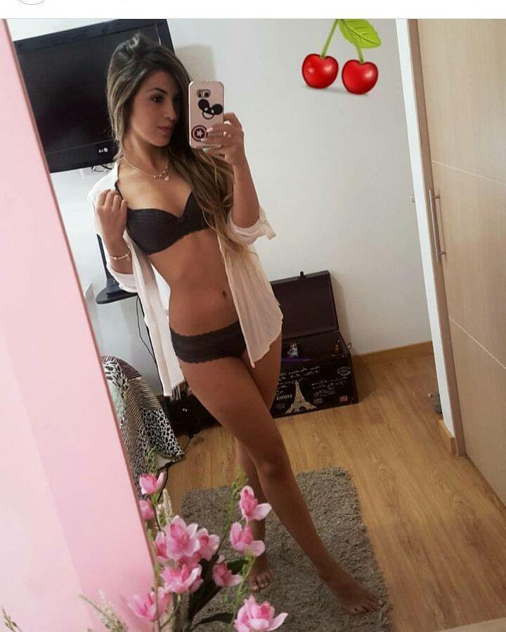 Daniela Bedoya Nude Photos 94