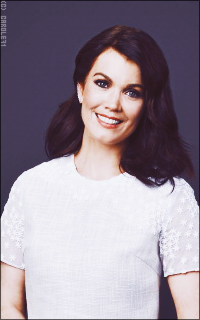 Bellamy Young VCol0Nt6