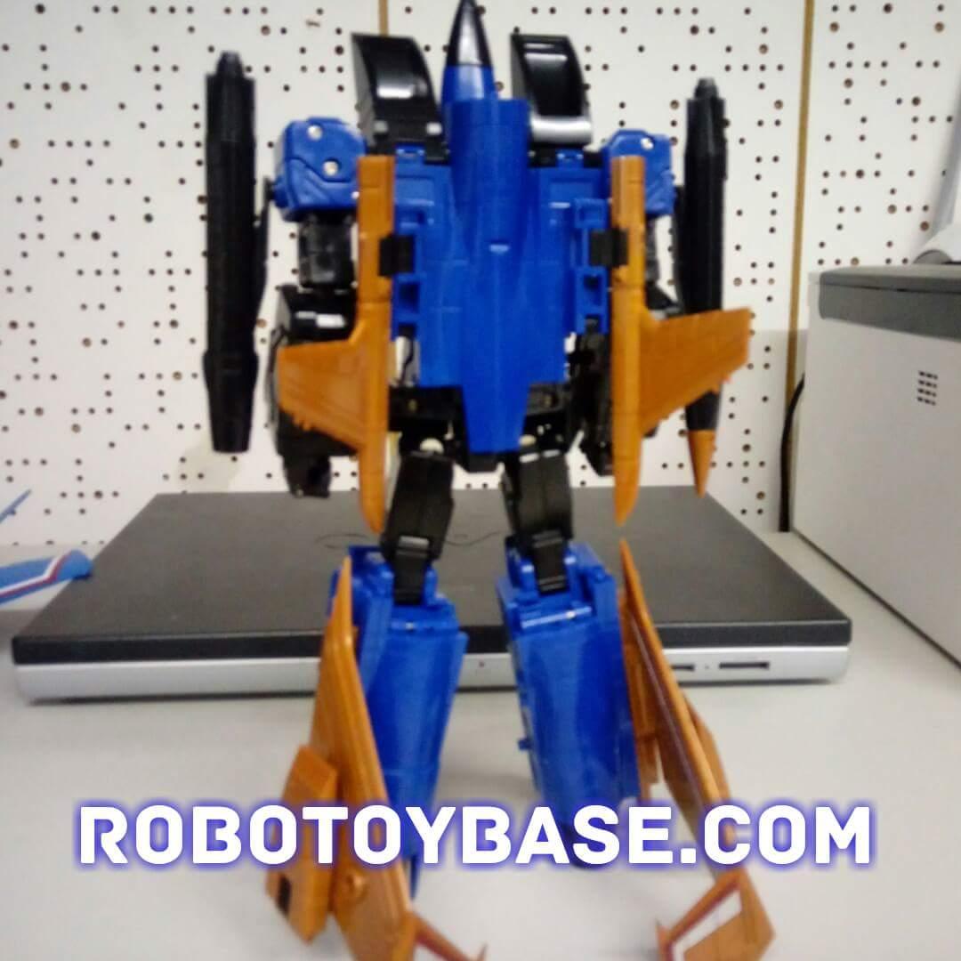 [ToyWorld] Produit Tiers - TW-M02A Combustor (Ramjet/Statoréacto), TW-M02B Assault (Thrust/Fatalo), TW-M02C Requiem (Dirge/Funébro) - Page 2 3Mg4hxVD