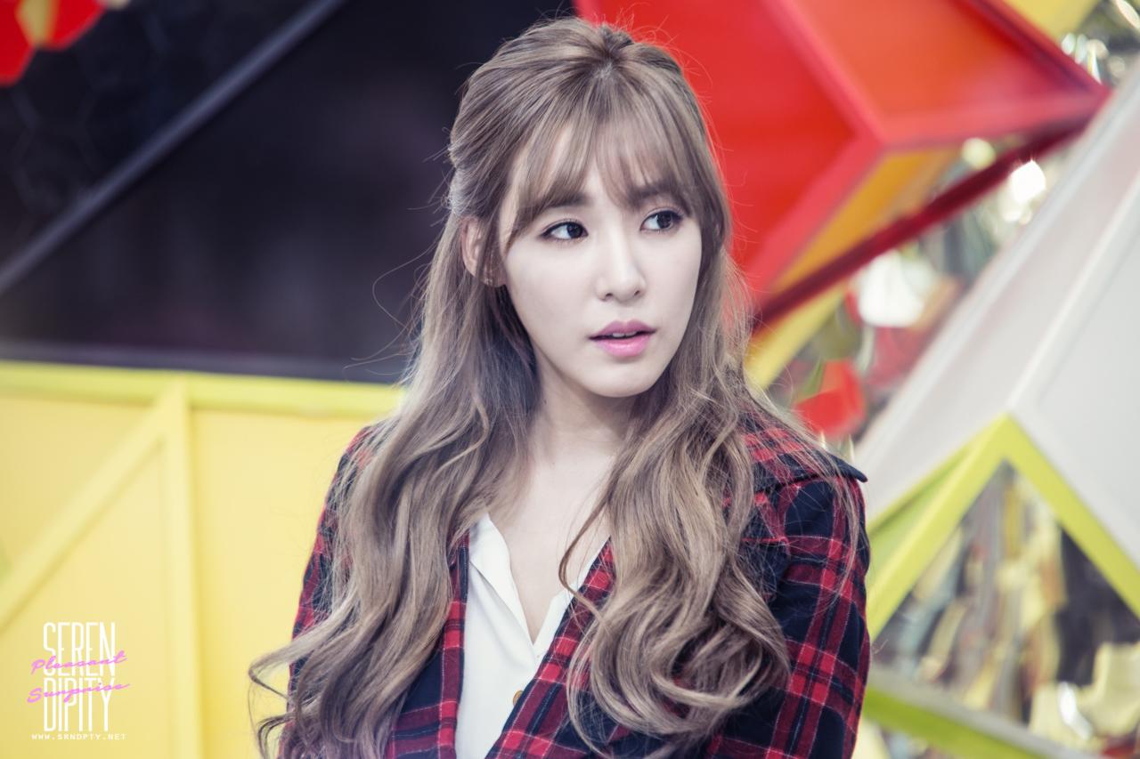 Behind The Spotlight Comedy Romance Snsd Taeny Taeyeon Tiffany