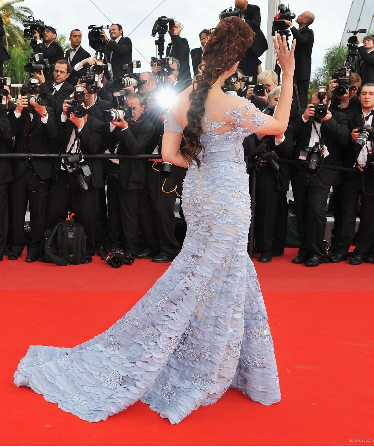 Aishwarya on Red Carpet Adthv0u6