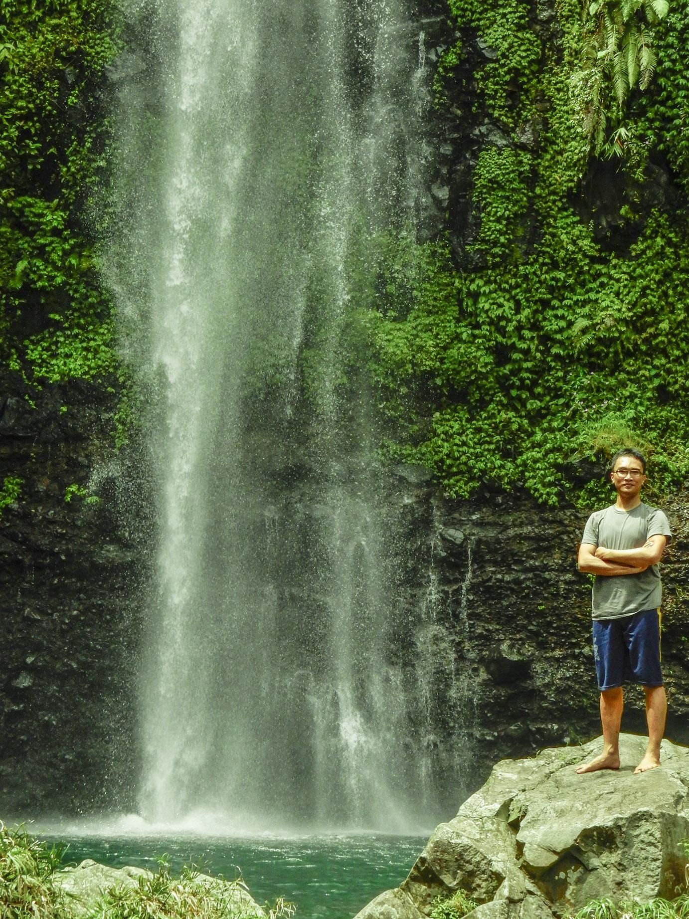 curug gede lokasi yang nyaman untuk menyepi menikmati alam