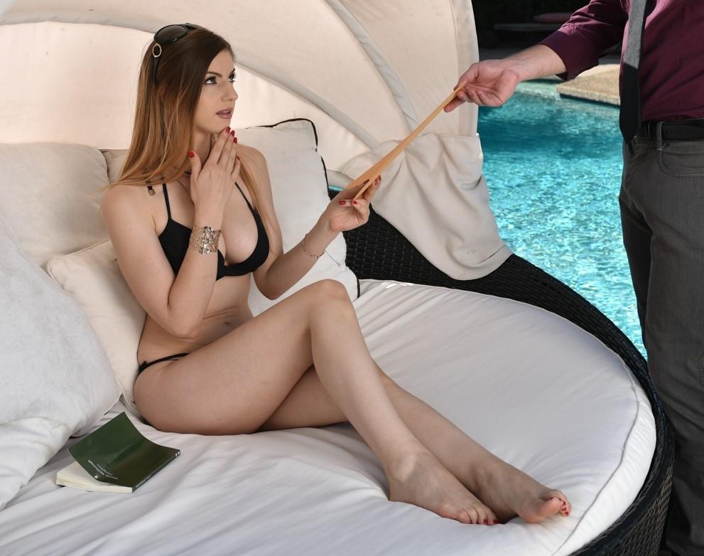 Stella Cox - un polvo anal al aire libre