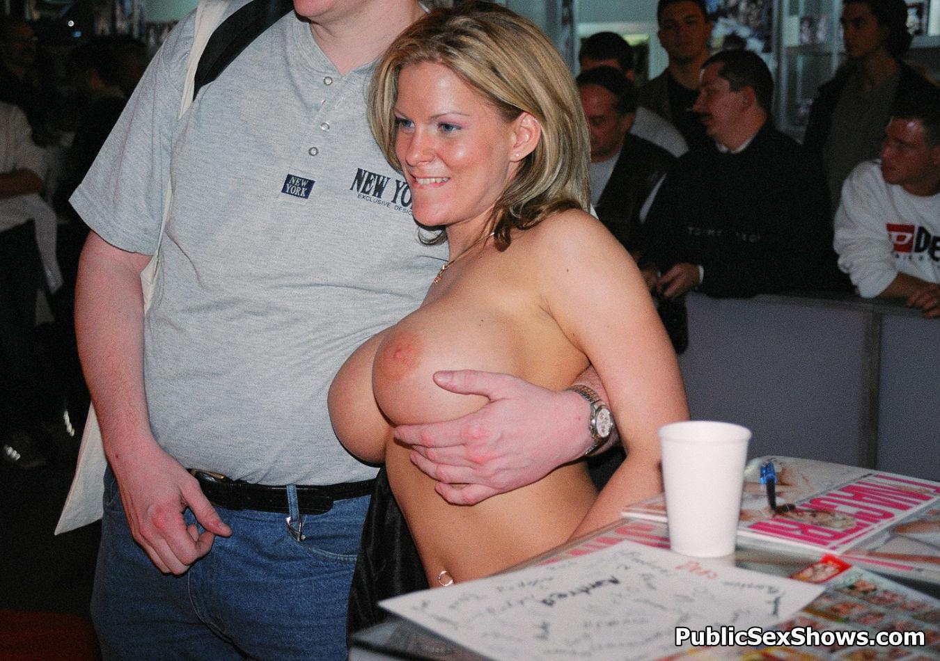 milf im swingerclub sperma auf brüste