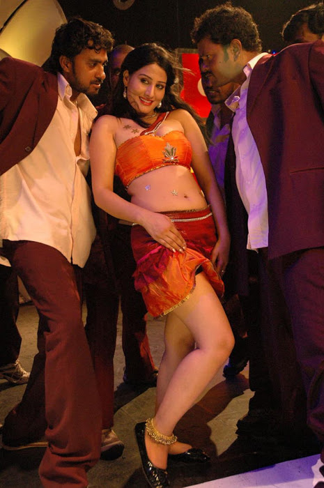 Ajju for Item Song Photo Gallery AdzCYroe
