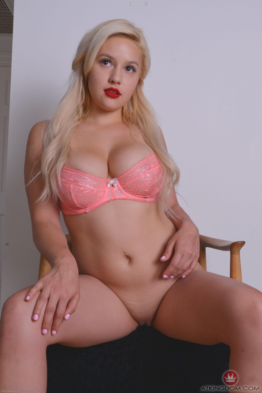 Bonnie Kinz Porn