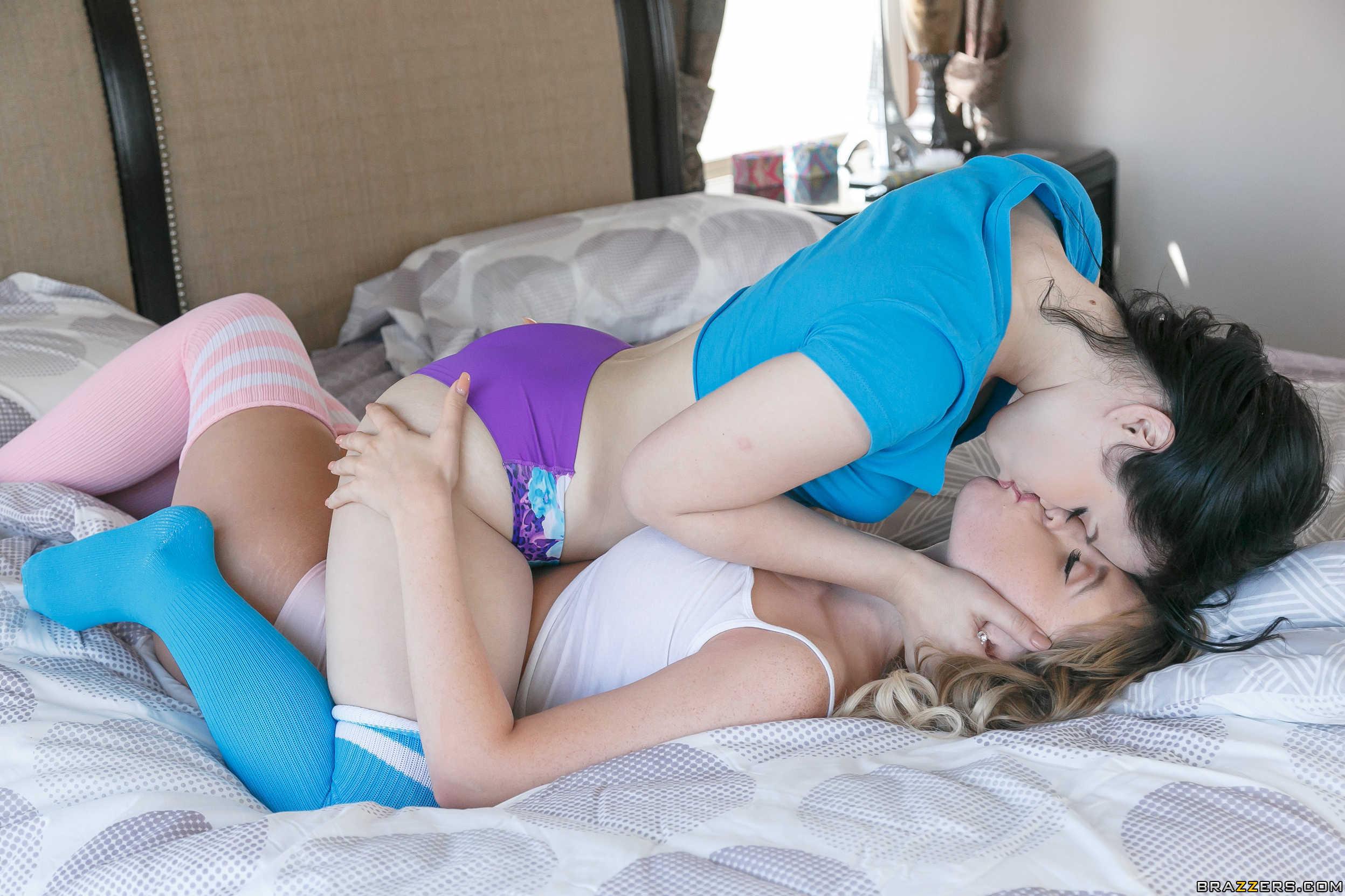 Yhivi y Harley Jade - el arte de lamer la conchita
