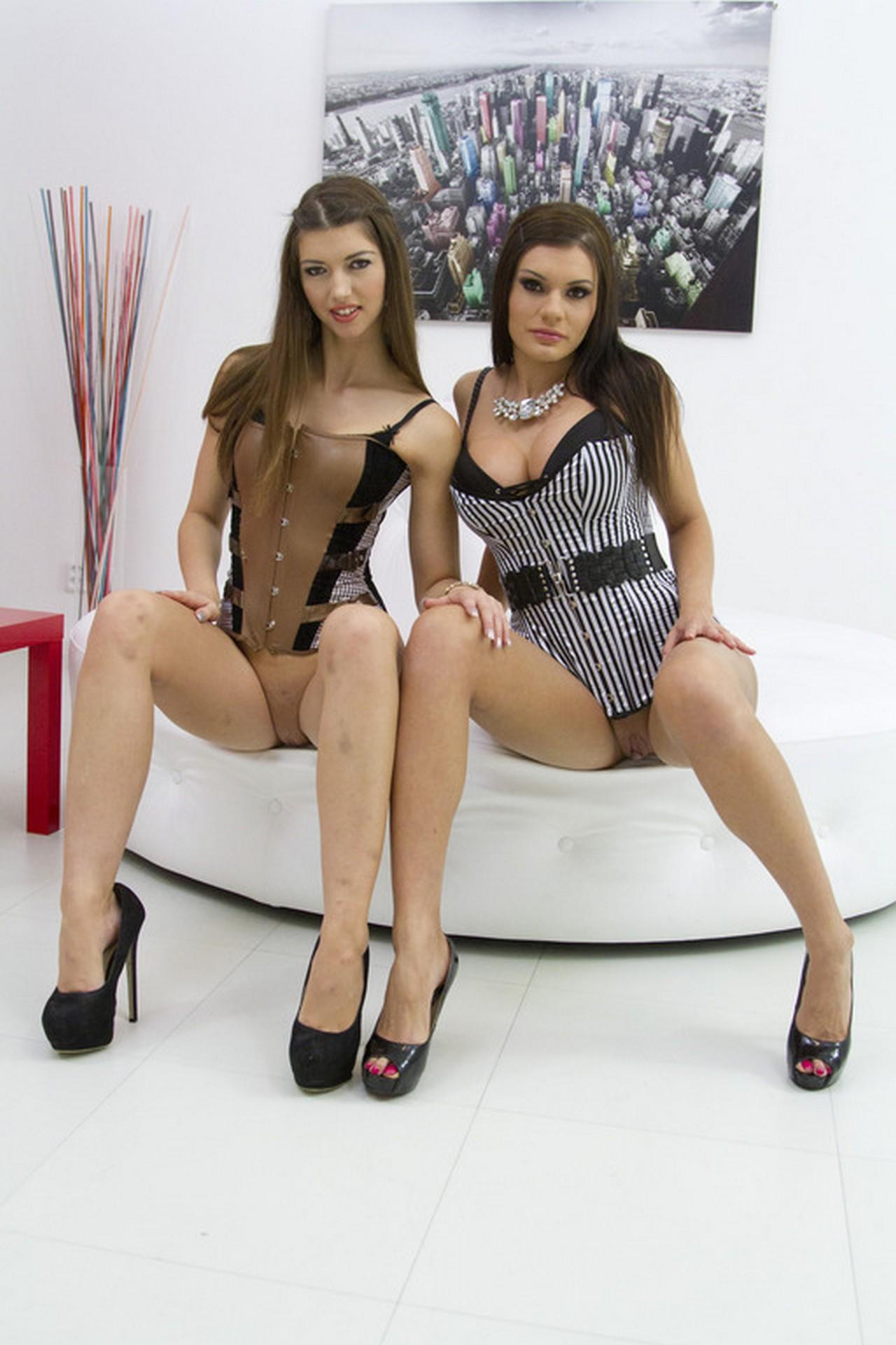 Susan Ayn y Kitana Lure - dos perras expertas del anal doble