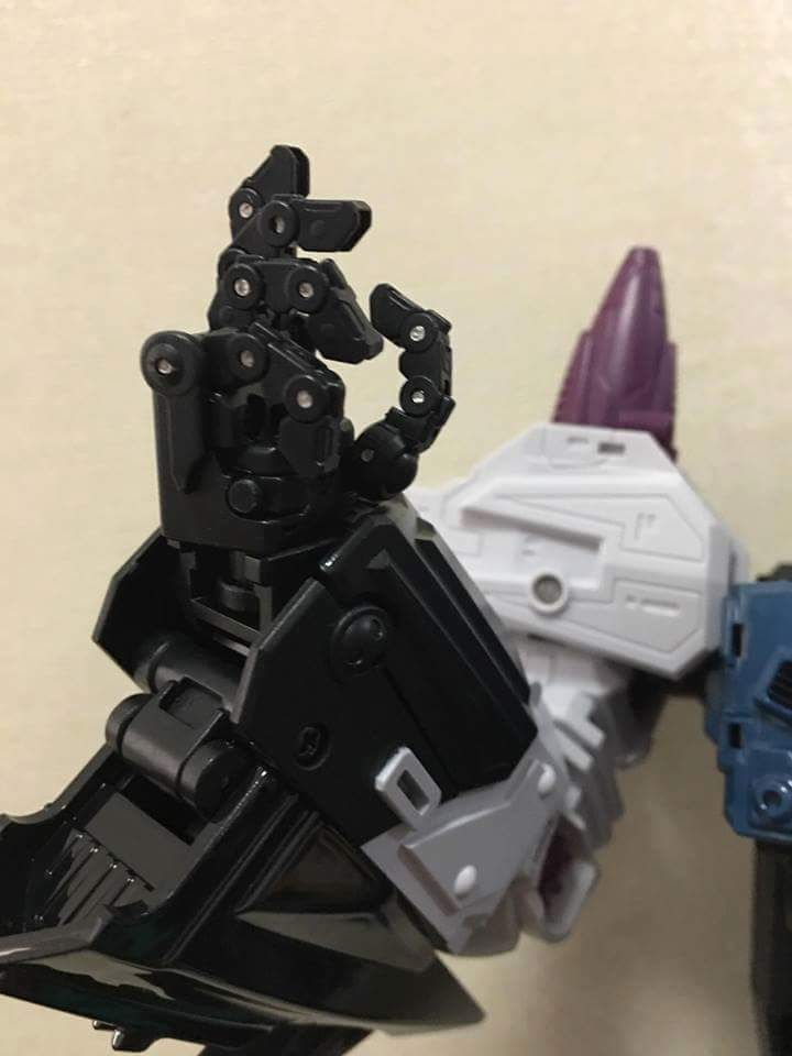 [Mastermind Creations] Produit Tiers - R-17 Carnifex - aka Overlord (TF Masterforce) - Page 3 99oO9y0V