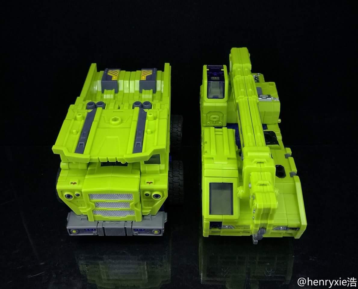 [Toyworld] Produit Tiers - Jouet TW-C Constructor aka Devastator/Dévastateur (Version vert G1 et jaune G2) - Page 7 WPGJ6BLu