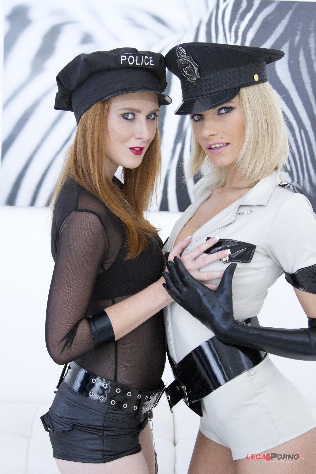 Karina Grand y Linda Sweet en orgia interracial (anal doble)