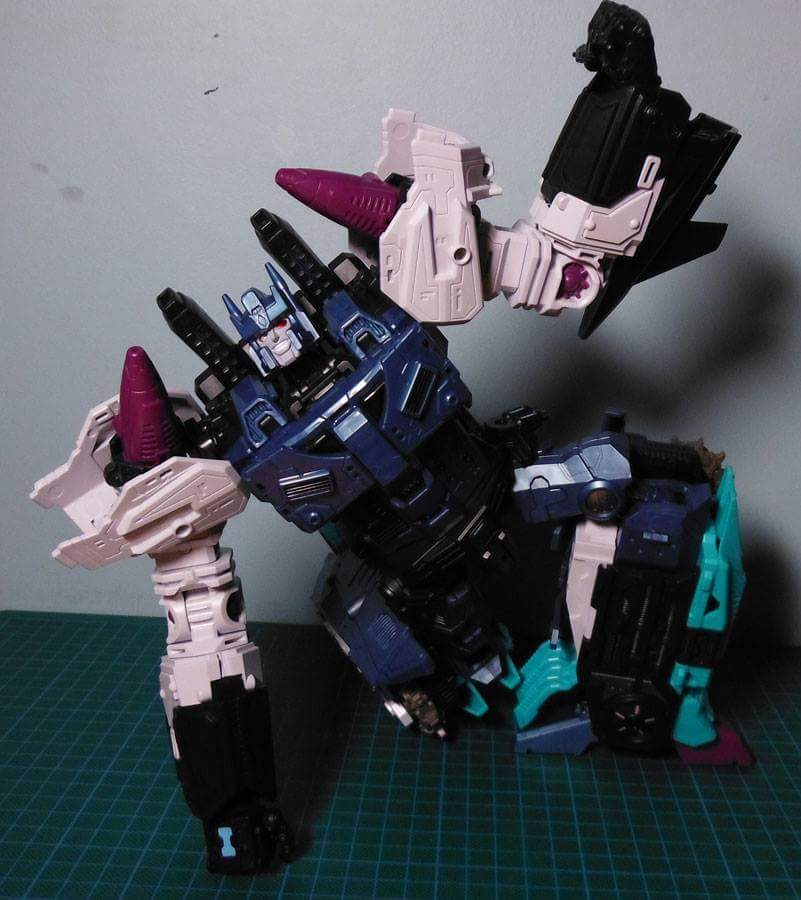 [Mastermind Creations] Produit Tiers - R-17 Carnifex - aka Overlord (TF Masterforce) - Page 3 XHu9jjqI