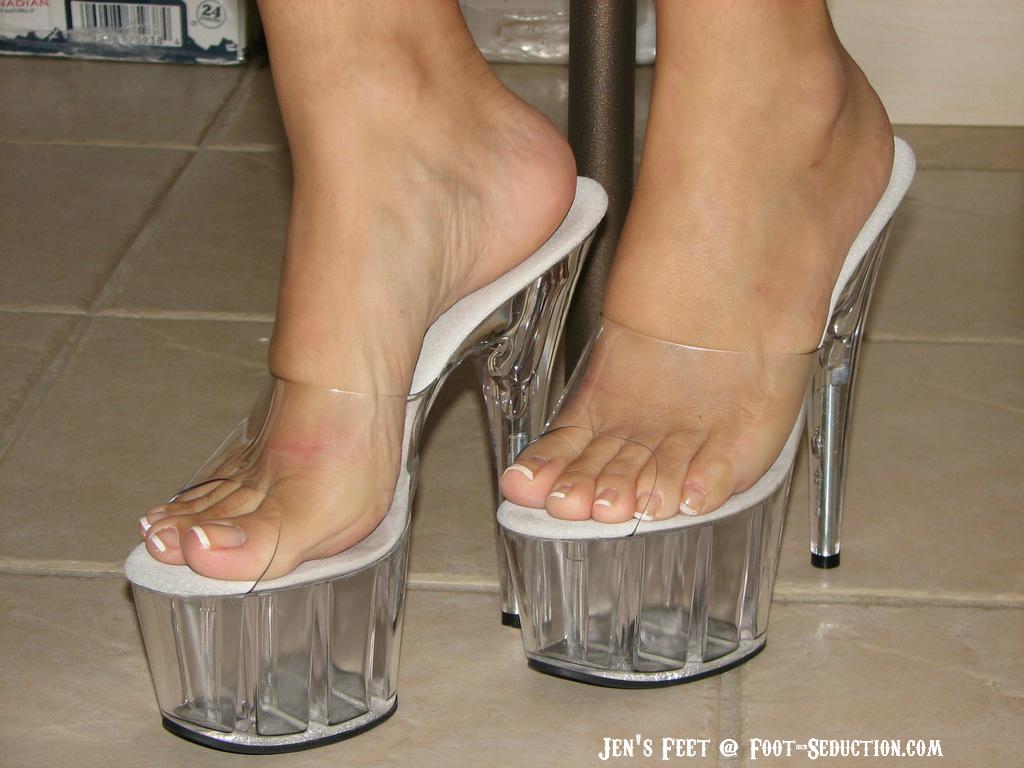 vieja con culo rico y lindos pies - YouTube