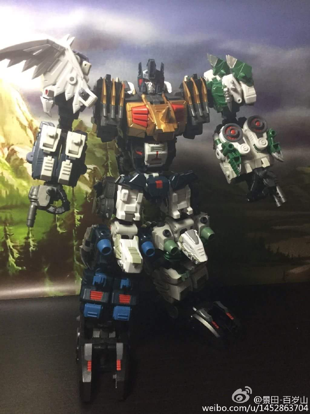 [FansProject] Produit Tiers - Jouet Saurus Ryu-oh aka Dinoking (Victory) | Monstructor (USA) - Page 2 QLm6sYjy