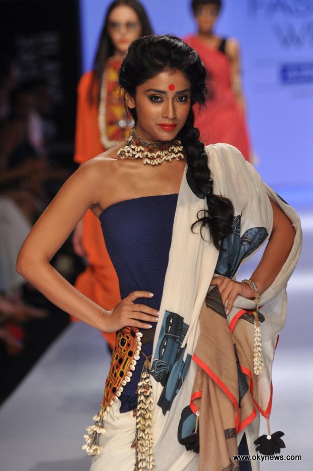 Celebs Hot at Lakme Fashion Week Photos AbpTsHTk