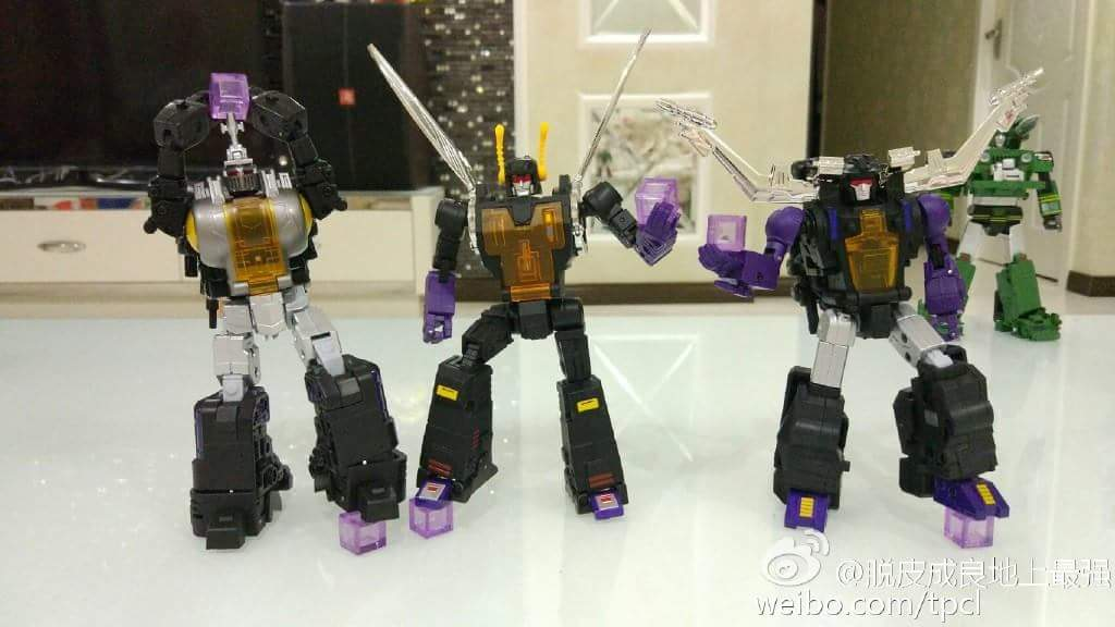 [Fanstoys] Produit Tiers - Jouet FT-12 Grenadier / FT-13 Mercenary / FT-14 Forager - aka Insecticons - Page 4 4IdINAkm