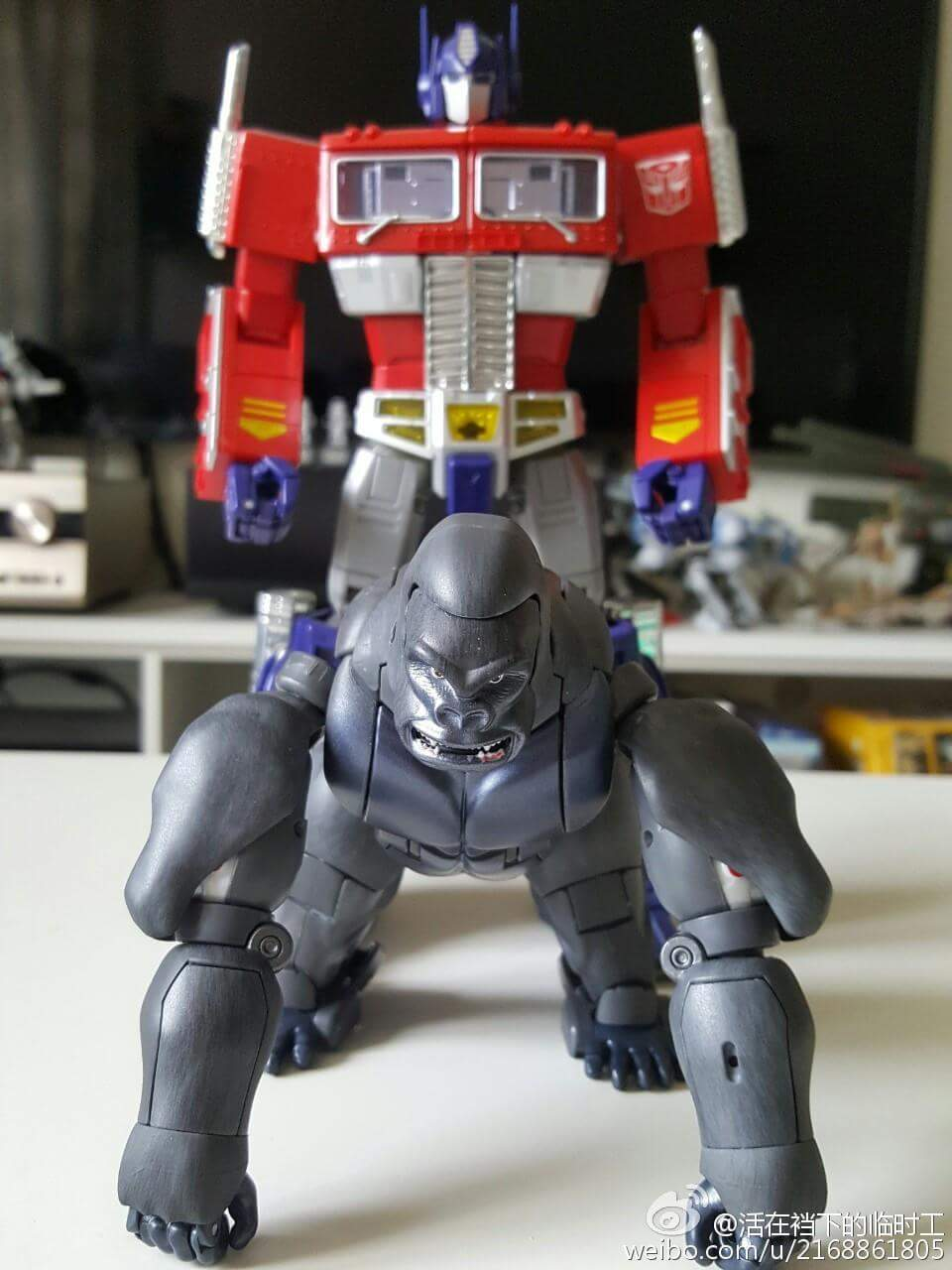 [Masterpiece] MP-32, MP-38 Optimus Primal et MP-38+ Burning Convoy (Beast Wars) - Page 3 MxbhvvYK