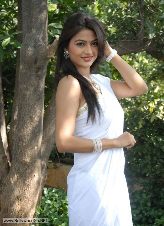 Actress Kumkum Cute Pics in White Saree AdwpeYBs